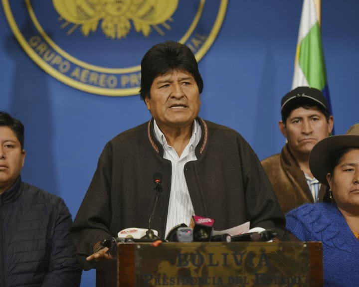 Bejelentette lemondását Evo Morales bolíviai elnök