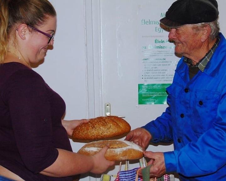 Idén is több mint 200 áruházban szervez karácsonyi gyűjtést a Magyar Élelmiszerbank