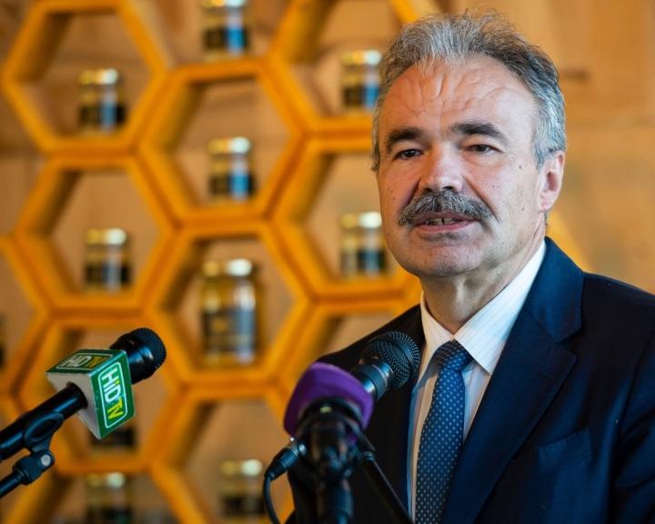 Európai szintű összefogást sürget a méhészek érdekében az agrárminiszter
