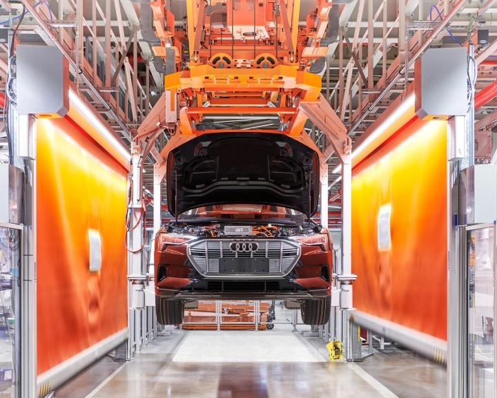 Az átalakuló német autóipar nagy vesztesei a munkások lehetnek