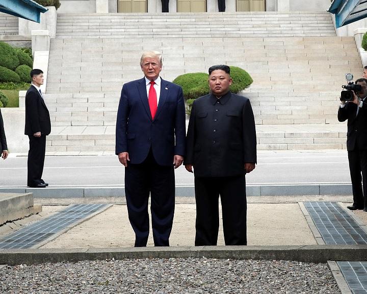 Trump: az észak-koreai vezető mindent elveszíthet, ha ellenséges