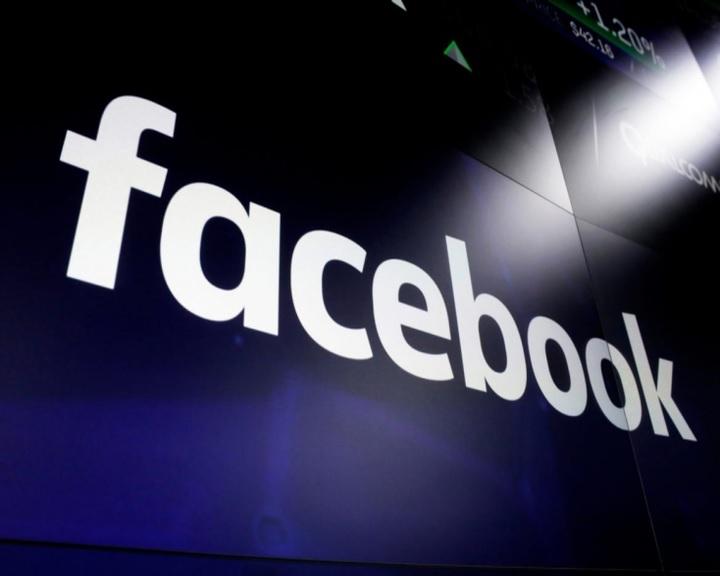 Az olasz bíróság elrendelte a Facebookon bezárt szélsőjobboldali oldalak újranyitását
