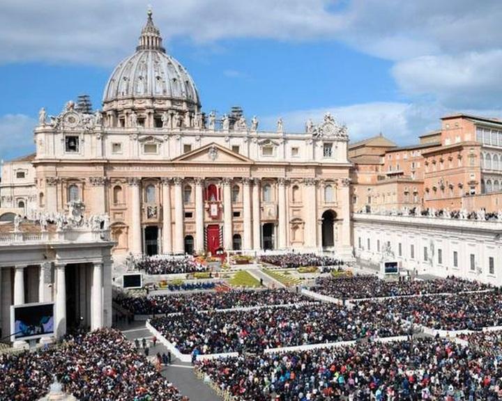 A Vatikán a péterfilléreket a költségvetési hiánya betömésére használja fel