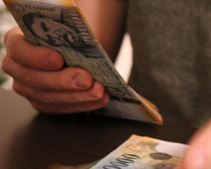 Január elsejétől a minimálbér bruttó összege 161 000 forintra nő