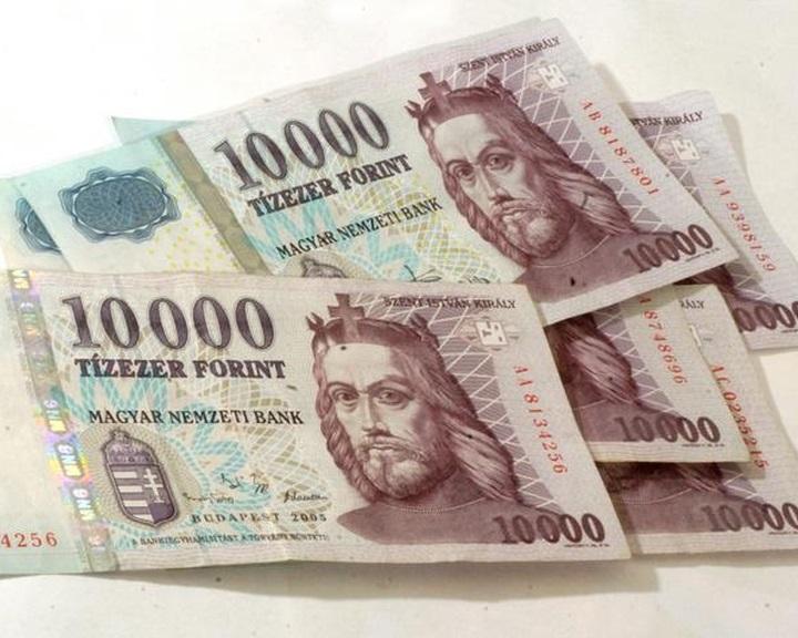 Kedden lehet utoljára régi tízezressel fizetni