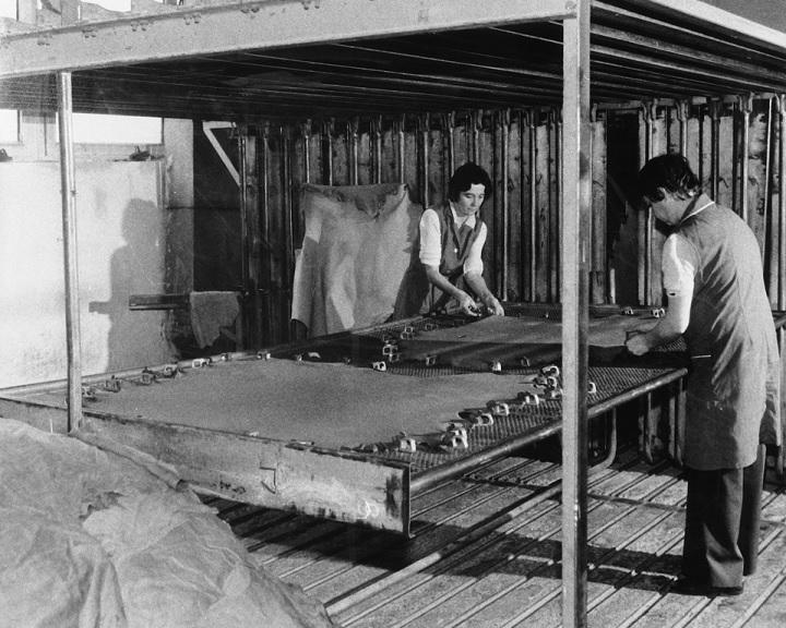 Értékes bőrgyári anyaggal bővült a pécsi múzeum gyűjteménye