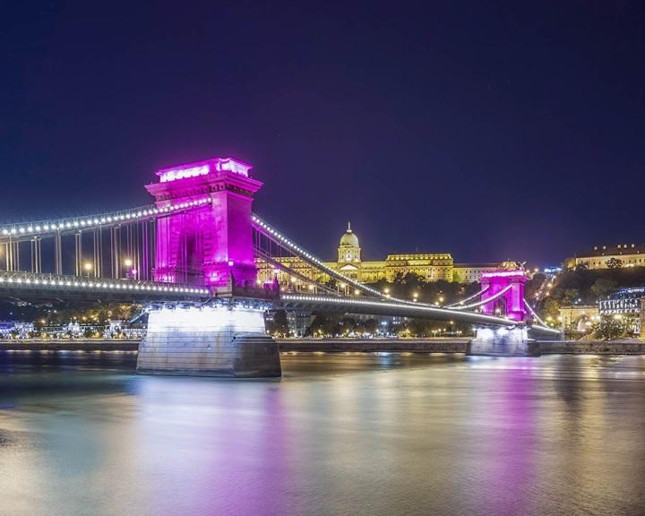 Giro d'Italia - A budapesti időfutam áthalad a Lánchídon