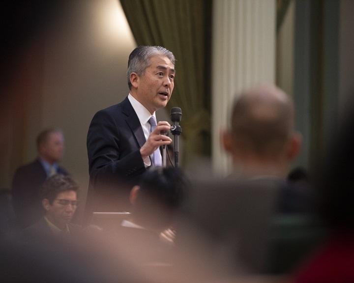 Kalifornia bocsánatot kért az ott élő japánok második világháborús internálása miatt