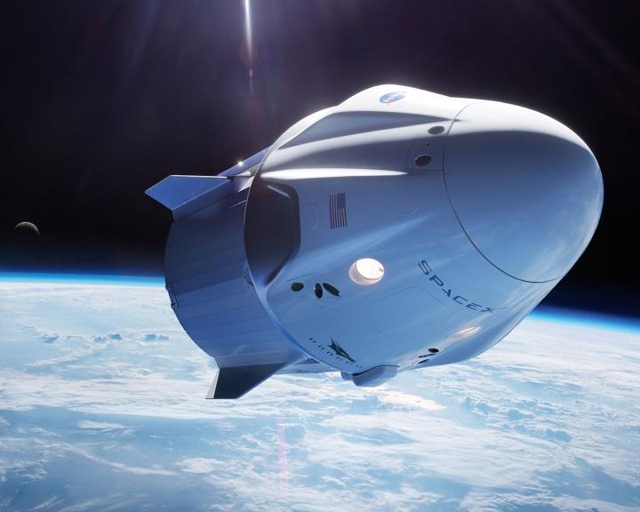 A SpaceX beszáll az űrturizmusba