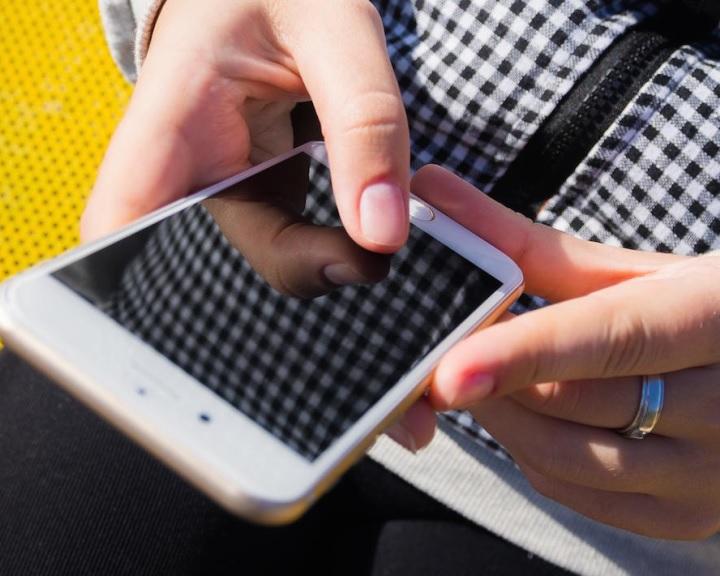 Mobilszolgáltatók: tovább nőtt az adat- és hangforgalom a távmunka és az otthoni tanulás miatt