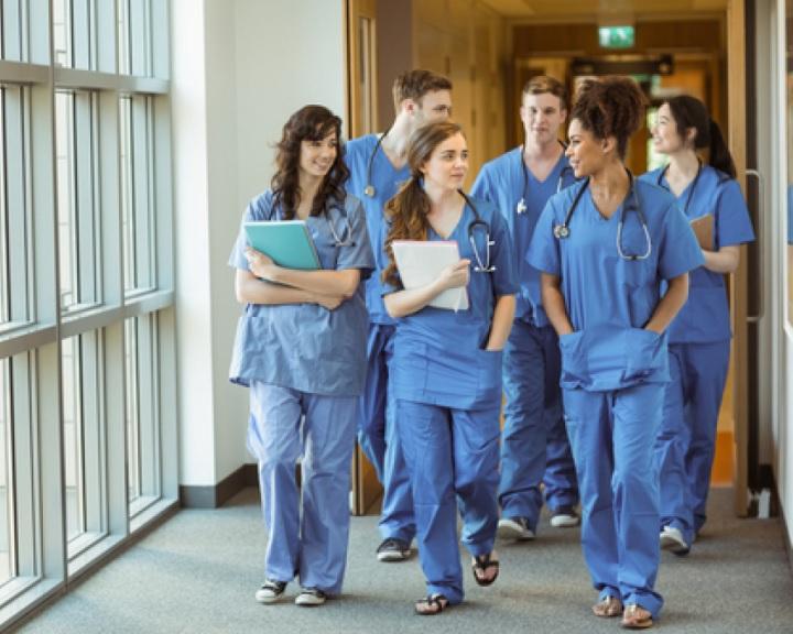 Nyitottak az önkéntesek fogadására az egyetemi klinikákon