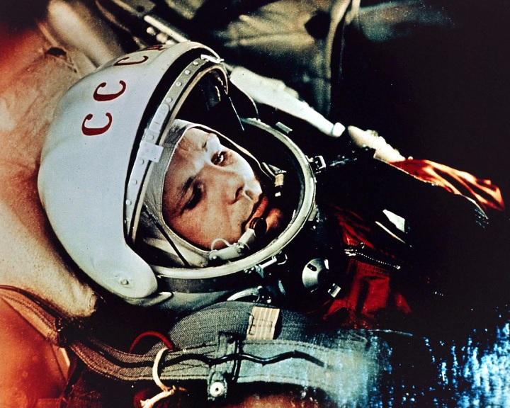 Április 12. - Az űrhajózás világnapja
