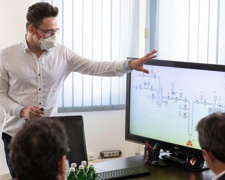 Szabadalomra vár az első magyar koronavírus-specifikus lélegeztetőgép