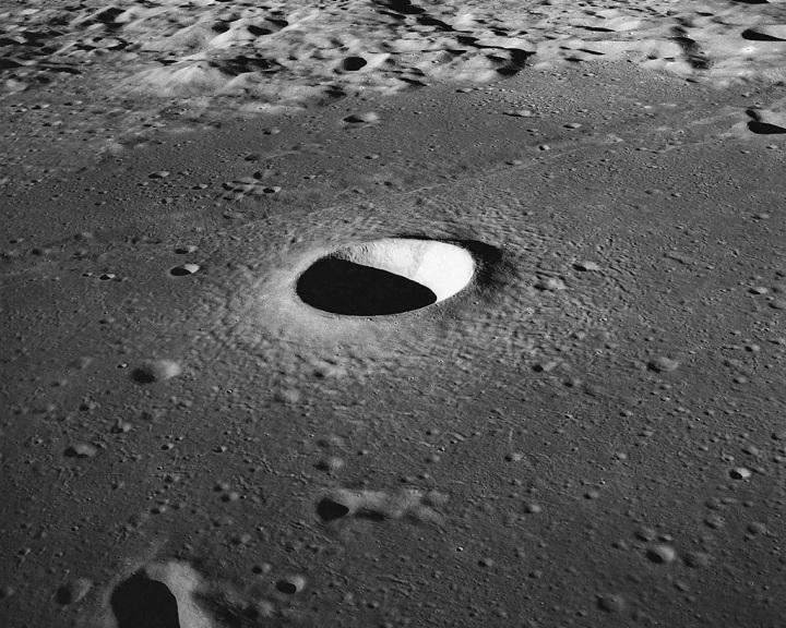 Egy igazán Földtől elrugaszkodott elképzelés: holdkráterből rádiótávcső