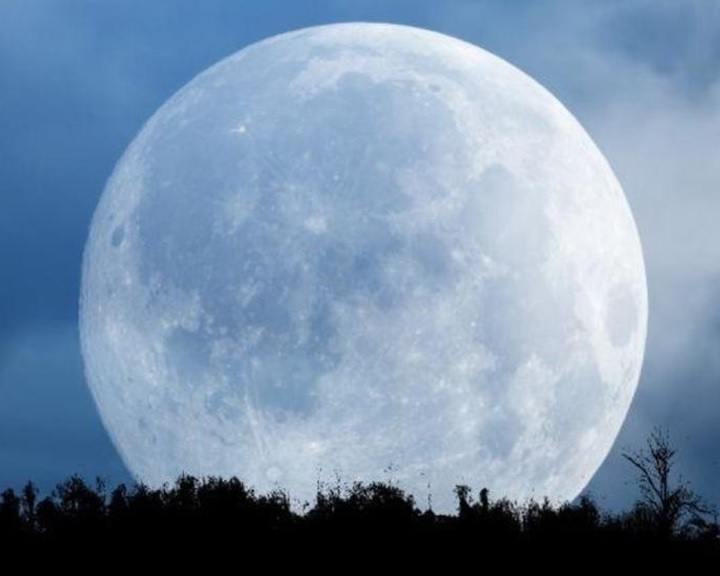 A Hold szénkibocsátására utaló bizonyítékok kétségbe vonják az égitest születésének teóriáját