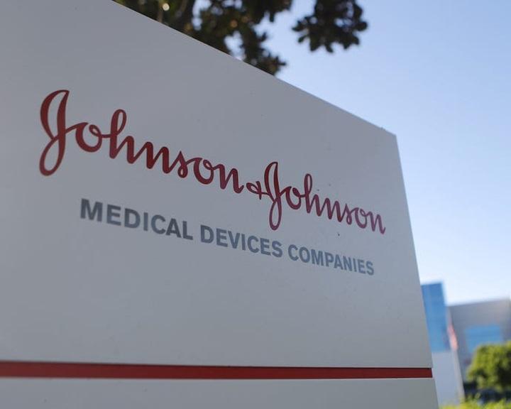 A Johnson & Johnson felhagy a vitatott babahintőpor amerikai és kanadai forgalmazásával