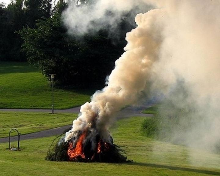 Jövő évtől országszerte tilos az avarégetés