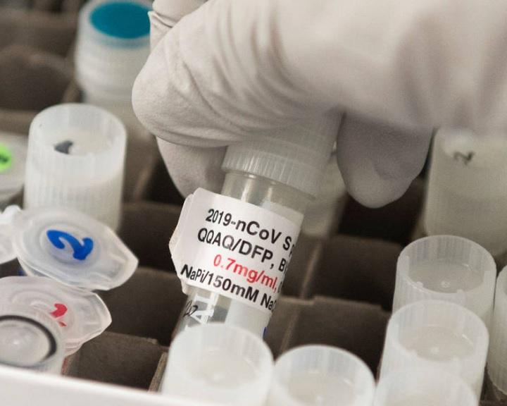 Közösen fejlesztenek vakcinát a PTE kutatói egy osztrák biotechnológiai céggel