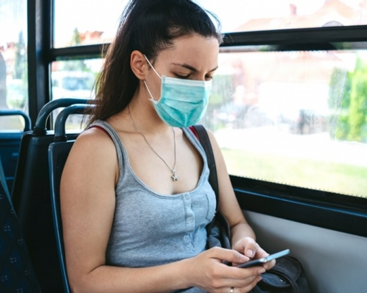 Szigorít a MÁV-START és a Volánbusz: szeptember 15-től leszállítják a maszk nélkül utazókat