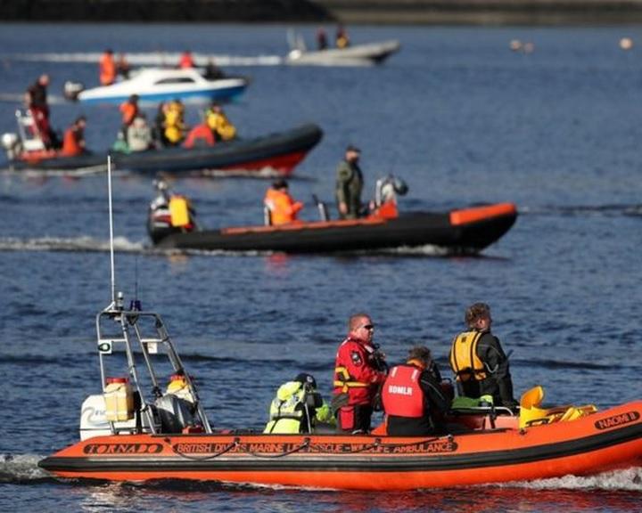 Nem sikerült kiterelni a bálnákat a skóciai tengeröbölből, ahol hadgyakorlat veszi kezdetét