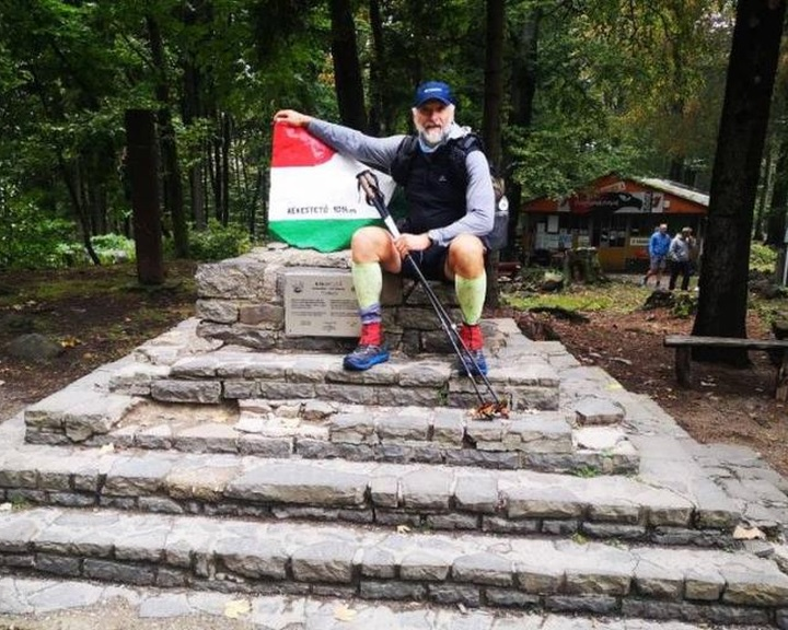 Két hónap alatt teljesítette a 2600 kilométeres Kékkört Csutka István