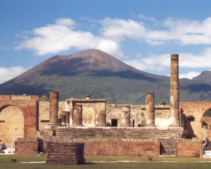 Tizenöt év balszerencse után küldött vissza néhány ellopott régészeti kincset Pompejibe egy turista