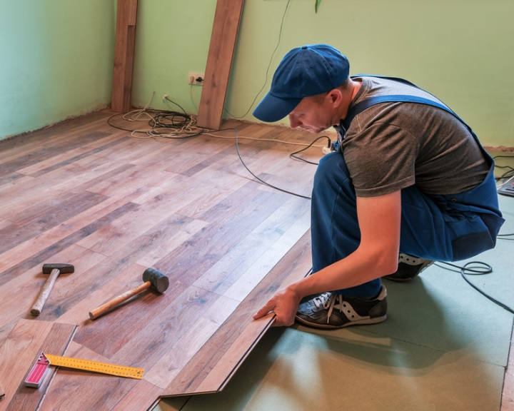 Otthonfelújítási támogatás segíti a családokat januártól