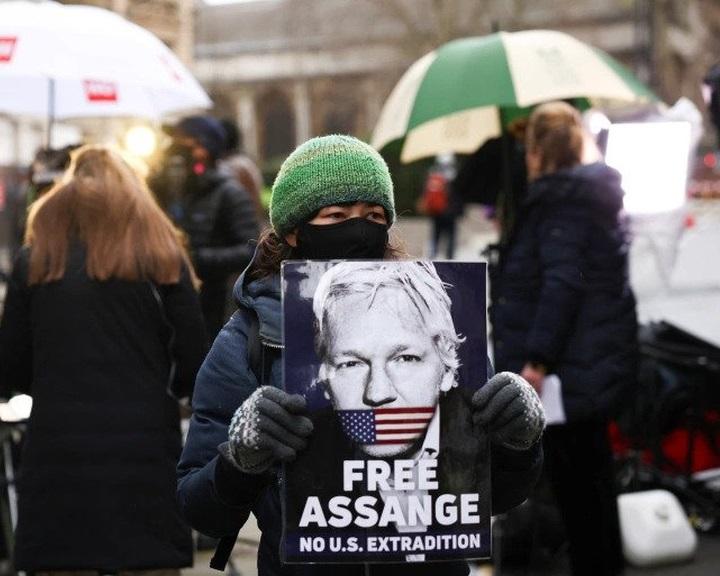 Brit bíróság: Julian Assange nem adható ki az Egyesült Államoknak