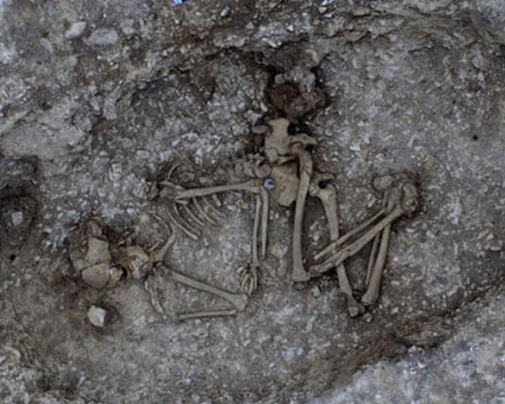 Bronzkori sírokat tártak fel a Stonehenge mellett tervezett alagút környékén