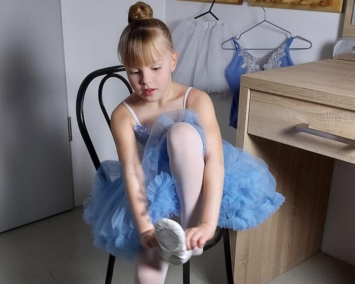 Online tánctanító projektet indított az idén hatvanéves Pécsi Balett