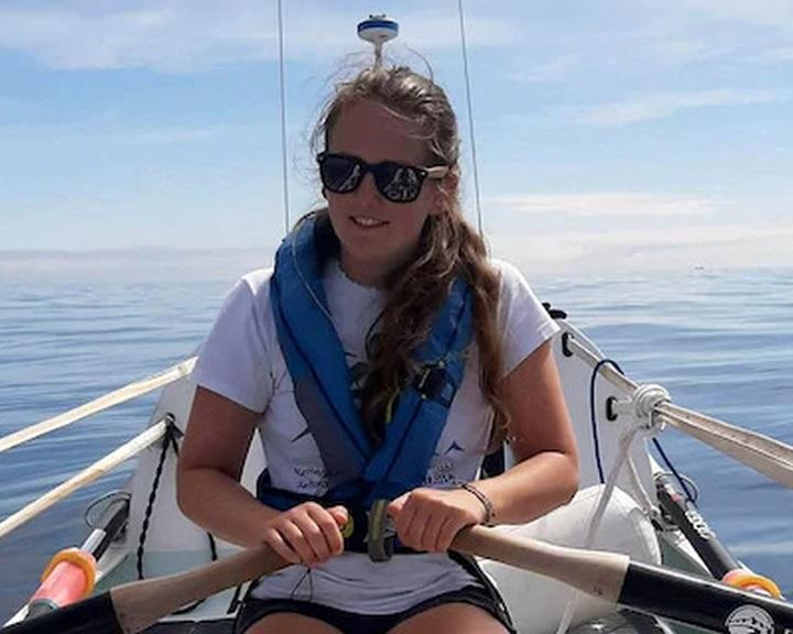 Egy 21 éves brit nő átevezett az Atlanti-óceánon