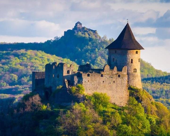 Közösen népszerűsíti a kastélyokat, várakat a turisztikai ügynökség és az örökségvédelmi társaság