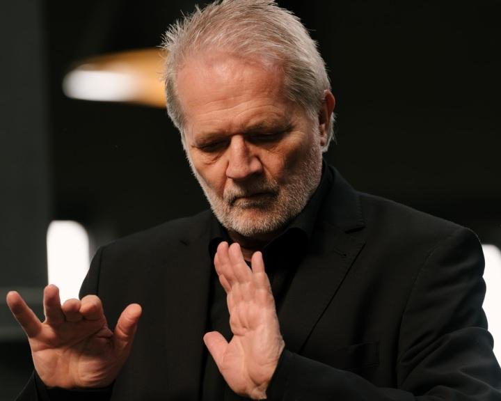 Eötvös Péter online világpremier a Pannon Filharmonikusokkal
