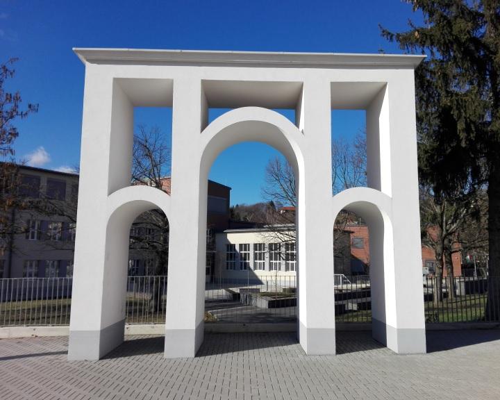A Komlói Kodály Zoltán Ének-zenei Katolikus Általános Iskola és Óvoda várja leendő növendékeit