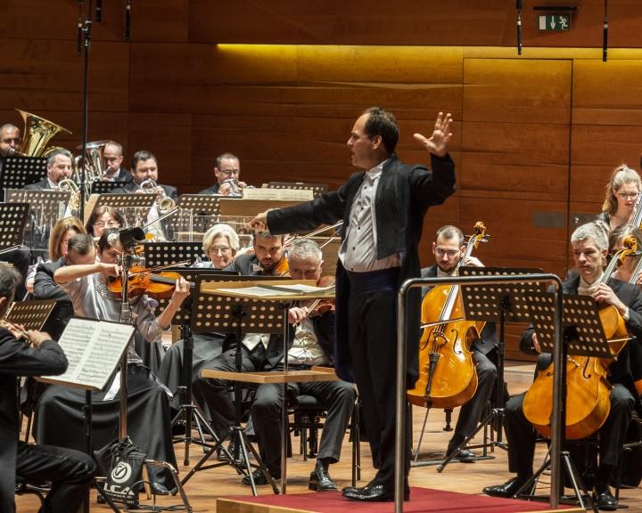 A Pannon Filharmonikusok élő hangversenyei a Kodály Központban