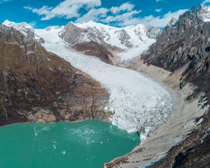 Egyre többekre jelentenek fenyegetést a gleccsertavak kitörése okozta áradások