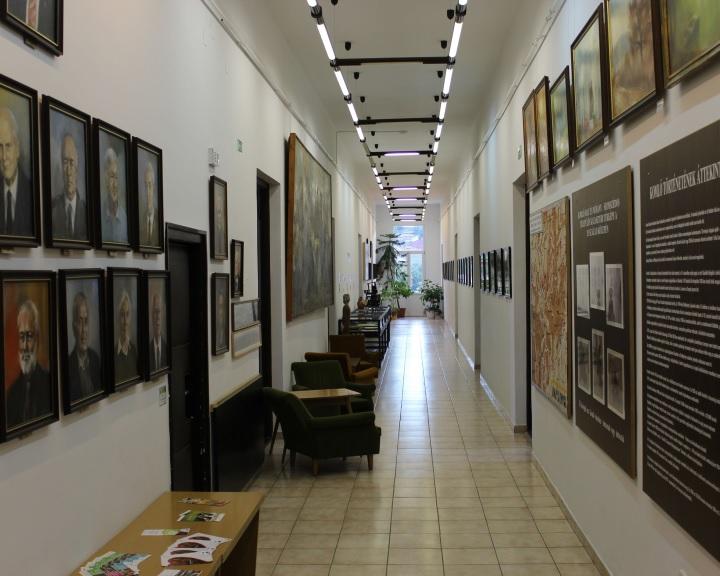 Komlón is megnyíltak a kulturális intézmények