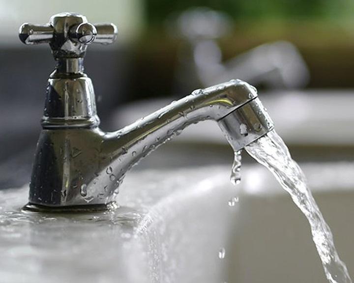 Az államé lehet az önkormányzatok víziközmű-szolgáltatása és változik a közműadó is