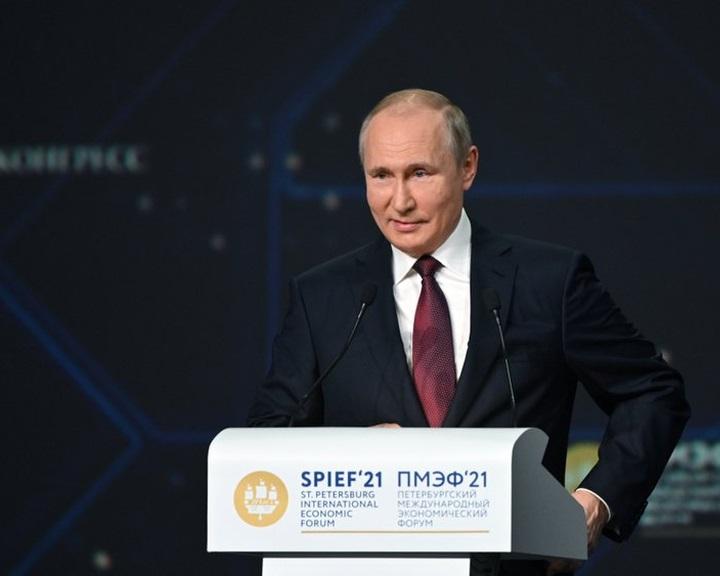 Befejeződtek az Északi Áramlat-2 első vezetékének csőfektetési munkálatai