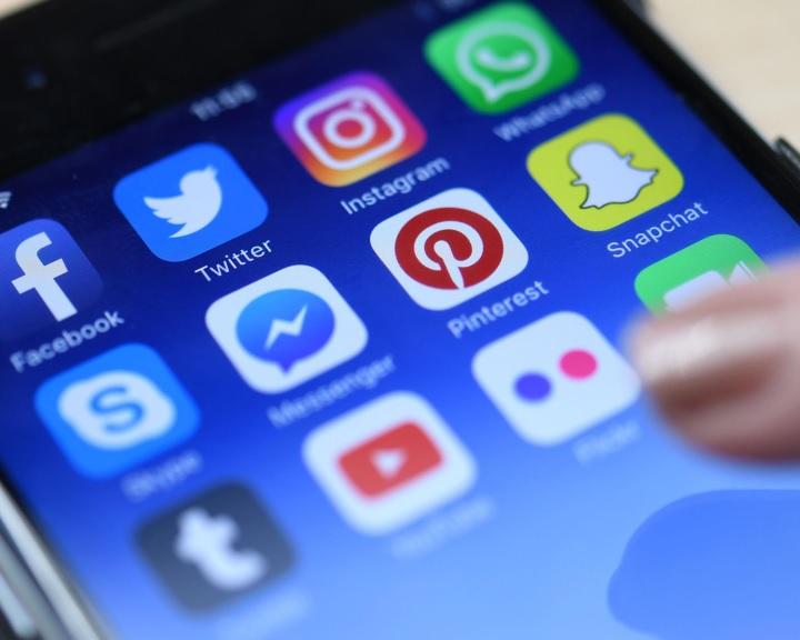 KSH: az uniós átlagnál több magyarnak van közösségi oldala