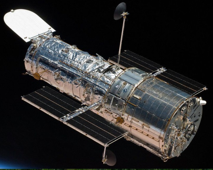 Megpróbálják megjavítani a Hubble űrteleszkópot