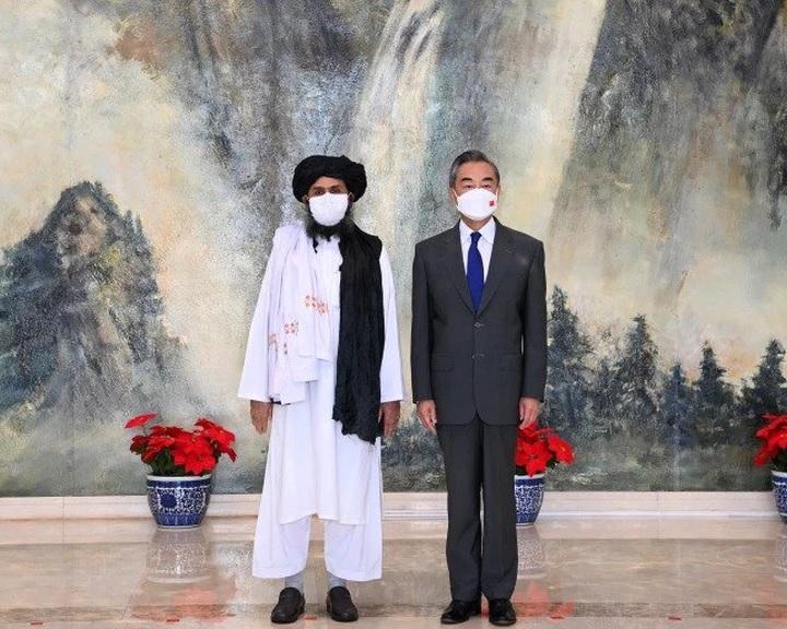Kína támogatásáról biztosította a tálibokat Afganisztánban
