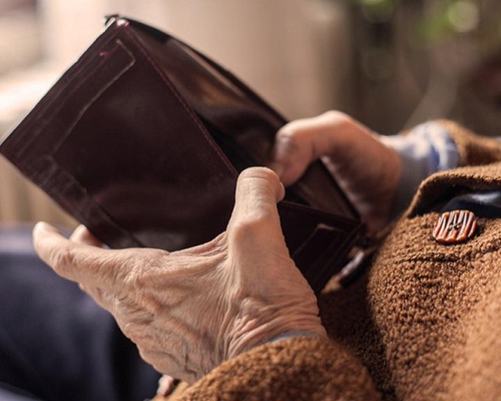 A minimálnyugdíjak emelése miatt az Alkotmánybírósághoz fordultak