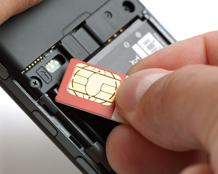 NMHH: biztonságosabbá vált a SIM-kártyák cseréje