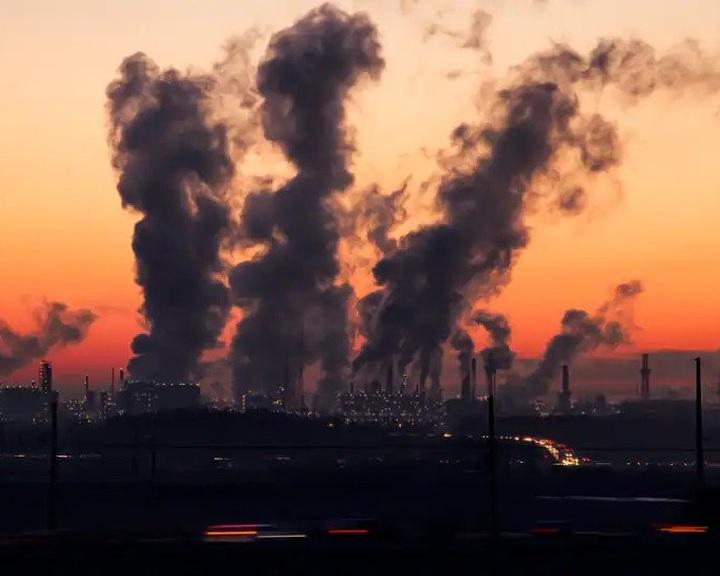 Majdnem hatmillió koraszülést okozhatott a légszennyezés a világon 2019-ben