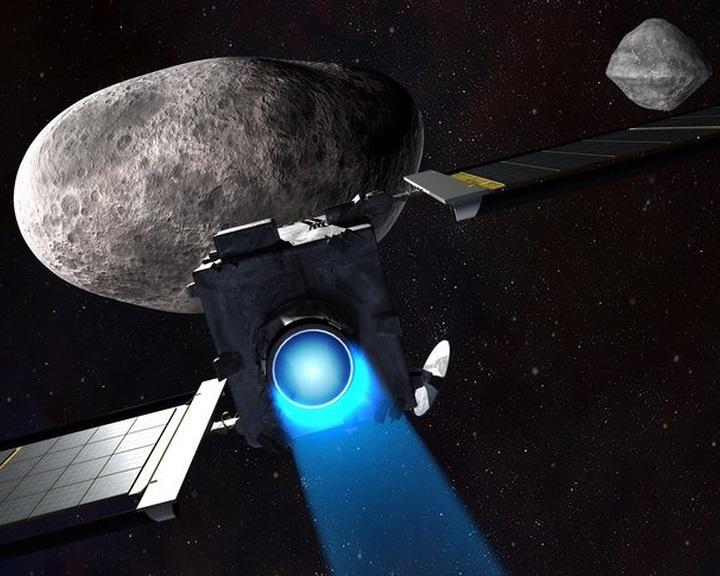 Egy aszteroida holdjával fog ütközni a NASA DART nevű missziójának űrszondája