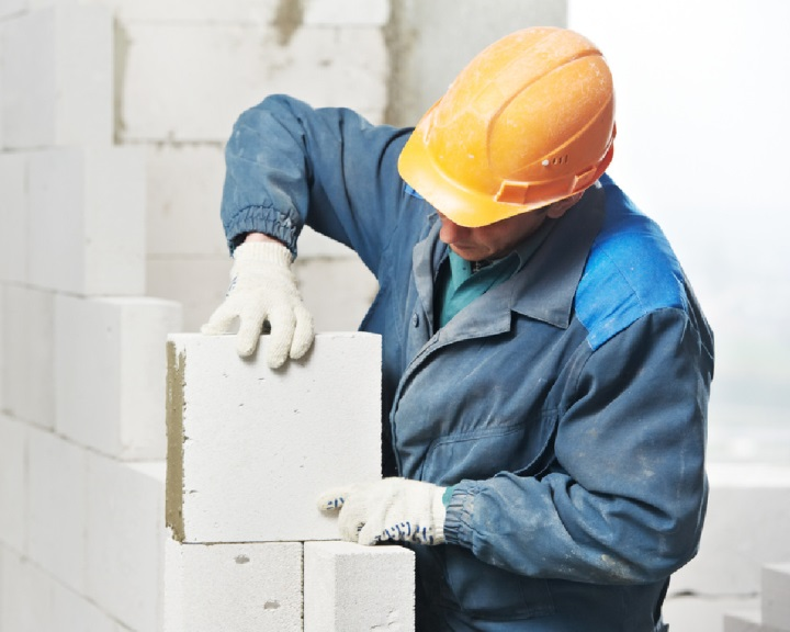 Építőipari képzőközpontot alakítanak ki Pécsen
