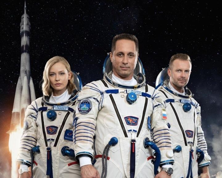 Visszatért a világ első játékfilmes forgatócsoportja a Nemzetközi Űrállomásról