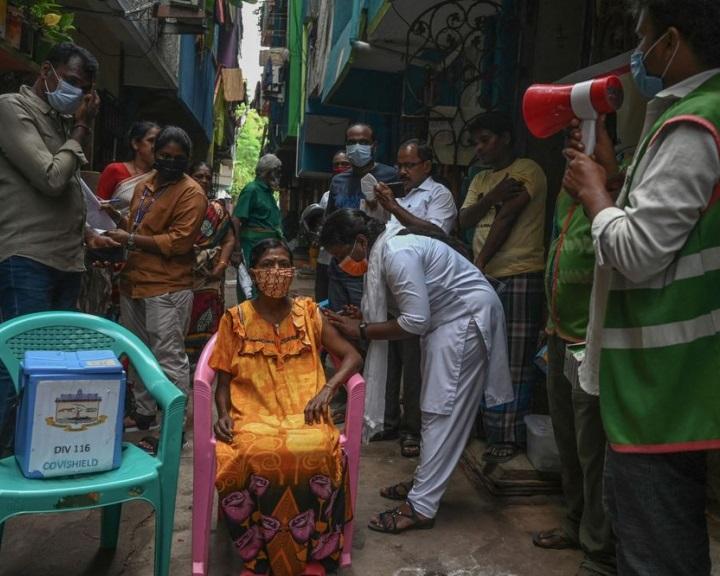 Aggasztó valóságot rejt az indiai oltási program