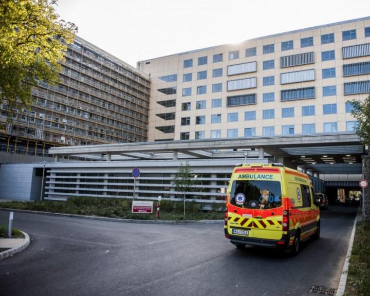 Részleges látogatási tilalom a PTE Klinikai Központban